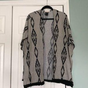 Sweaters - LIKE NEW short sleeve opened sweater